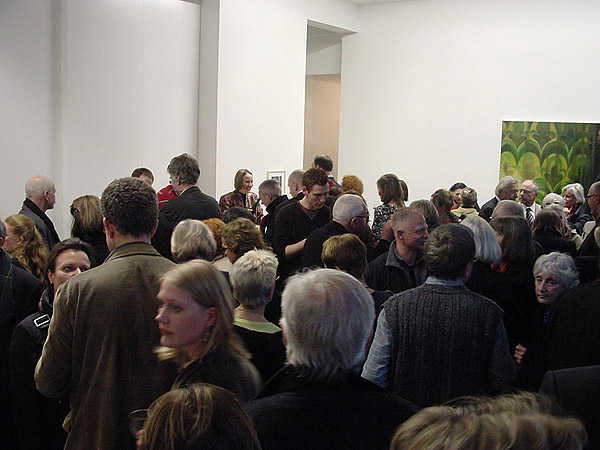 Menschen in der Ausstellung