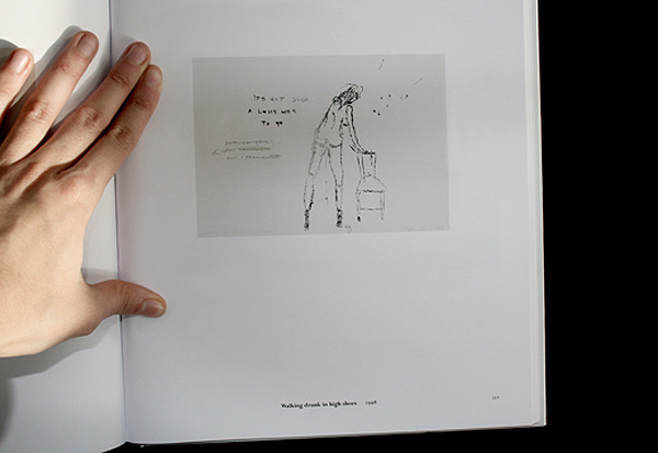 aufgeschlagenes Buch